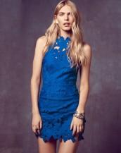 dekolteli mavi dantel elbise sk3946