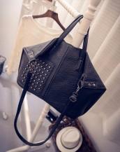 siyah zımbalı yumuşak deri kol çantası sk5019
