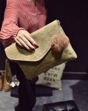 bej rengi deri ponponlu zarf çanta sk5723