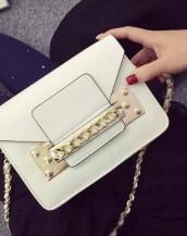 beyaz zincir detaylı küçük çanta sk7309