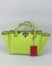 fıstık yeşili zımbalı trapeze kol çantası sk6309