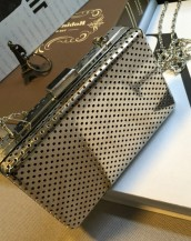 gümüş rengi metal küçük el çantası sk5784