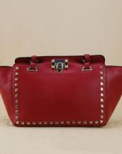 kırmızı zımbalı trapeze kol çantası sk6309