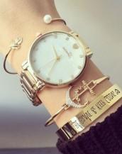 kalp ve taş detaylı altın kol saati sk8023