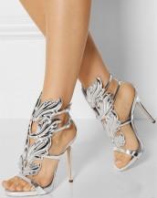 kanat motifli gümüş deri topuklu sandalet sk7207