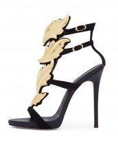 kanat motifli siyah deri topuklu sandalet sk7207