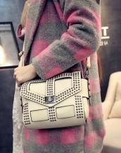 krem zımbalı deri kol çantası sk5646