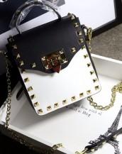 siyah beyaz zımbalı zincirli mini çanta sk6357