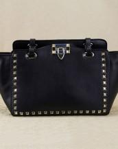 siyah zımbalı trapeze kol çantası sk6309