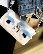 sevimli beyaz küçük zincirli çanta sk10157
