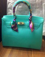 fularlı su yeşili silikon kol çantası sk10568