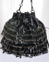 büzgülü püsküllü zincirli siyah punk çanta sk12621