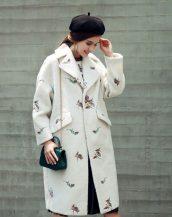 beyaz nakış işlemeli bayan palto sk18257