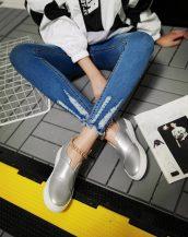 gri zincir detaylı yuvarlak burun ayakkabı sk23218
