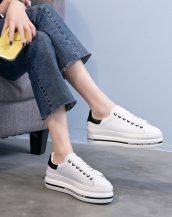 siyah beyaz bağcıklı yüksek taban spor ayakkabı sk23435