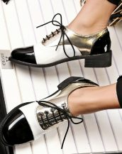 siyah beyaz rugan bağcıklı bayan oxford ayakkabı sk23264
