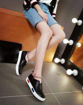 siyah zincir detaylı yuvarlak burun ayakkabı sk23218