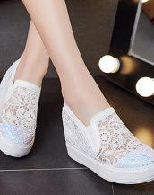 beyaz dantel detaylı gizli topuk ayakkabı sk24800