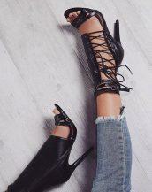 siyah ip detaylı topuklu sandalet sk30151