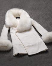 kolları ve yakası kürklü beyaz kruvaze palto sk1326