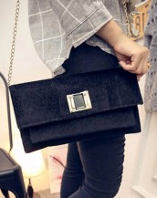 zincirli kadife siyah el kol çantası sk5041
