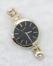 altın rengi ince kordonlu siyah kol saati sk5891