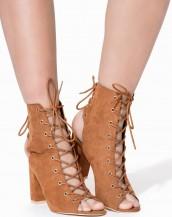 kare topuk çift bağcıklı taba sandalet sk8162