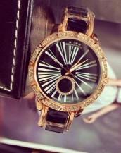 siyah altın taş süslemeli şık kol saati sk8015