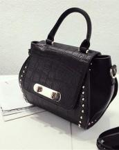 siyah kabartma deri kol çantası sk7229