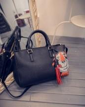 siyah sevimli kaplan detaylı deri kol çantası sk6230