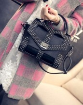 siyah zımbalı deri kol çantası sk5646