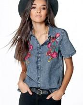 çiçek desenli denim yazlık kot gömlek sk8300