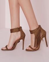 bileği püskül detaylı kahverengi topuklu sandalet sk8864