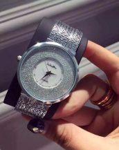 gümüş rengi simli bayan lüks kol saati sk9859
