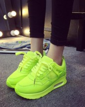 yüksek tabanlı fıstık yeşili rahat spor ayakkabı sk8486