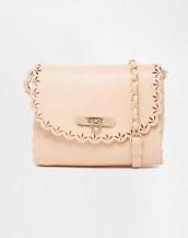zincirli deri pudra rengi küçük omuz çantası sk8869