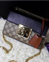 ünlü marka zincirli mini lacivert omuz çantası sk10842