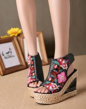hasır dolgu topuklu işlemeli siyah sandalet sk11707