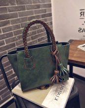 kahverengi örgü saplı püsküllü koyu yeşil çanta sk11394