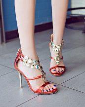 metal aksesuar bantlı kırmızı topuklu sandalet sk11921