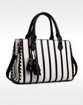 siyah beyaz çizgili püsküllü tasarım deri çanta sk11424