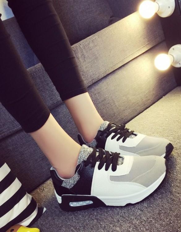 siyah beyaz deri spor ayakkabı