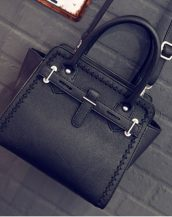 siyah trapez kol çantası sk11411