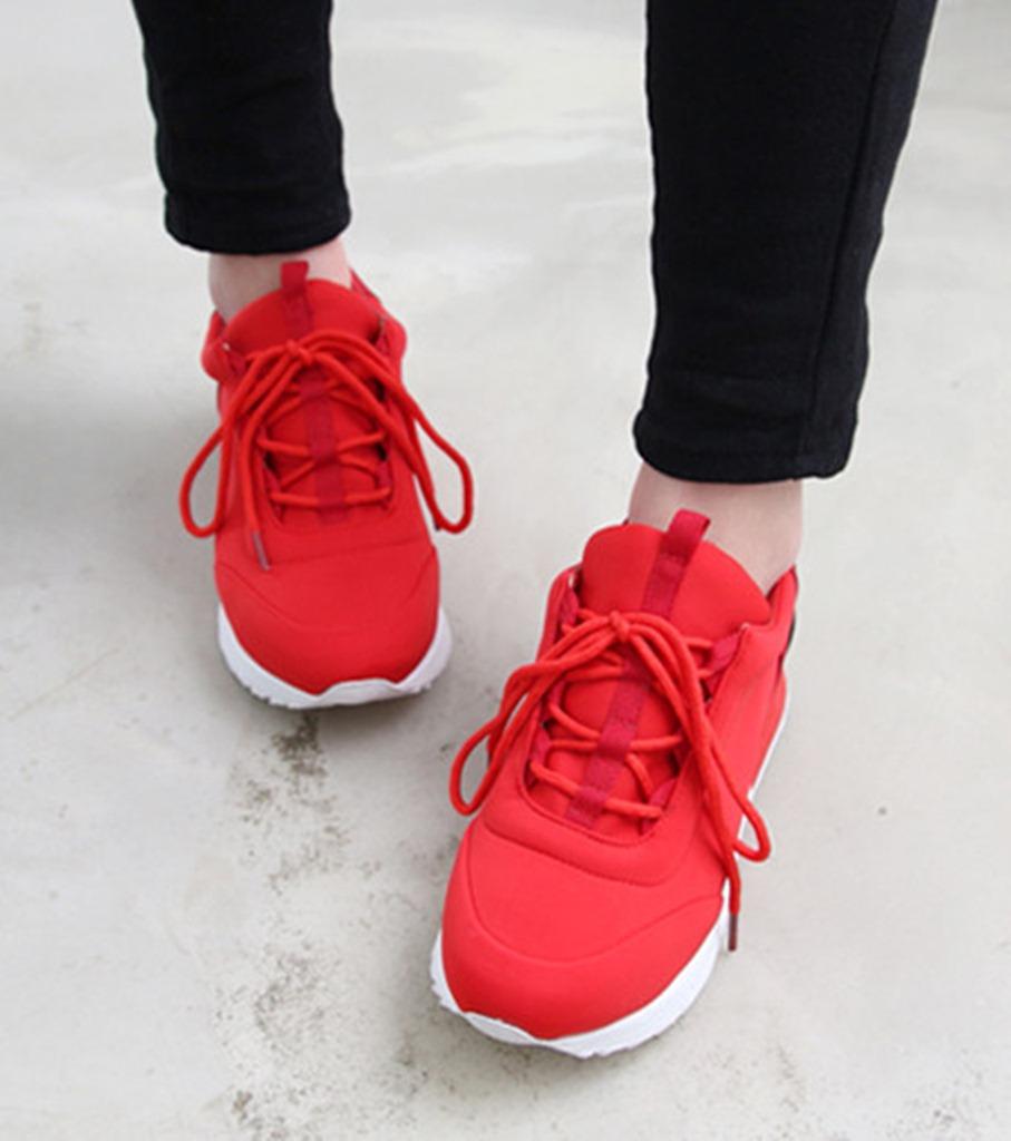 Etiket: spor ayakkabı modelleri