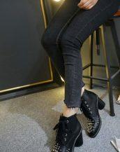 sk14606 siyah zımbalı bootie