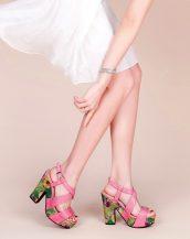 pembe kalın topuk desenli sandalet sk20612