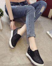 siyah simli ve zımbalı gizli topuk ayakkabı sk21378