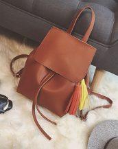 kahverengi püskül detaylı deri sırt çantası sk22479