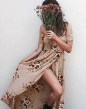 bej düşük omuzlu çiçekli uzun elbise sk23940
