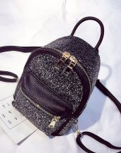 siyah payetli ufak sırt çantası sk23591